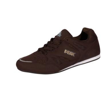 深棕色鞋子|棕色鞋子怎么搭配|明星怎样搭配棕色鞋子